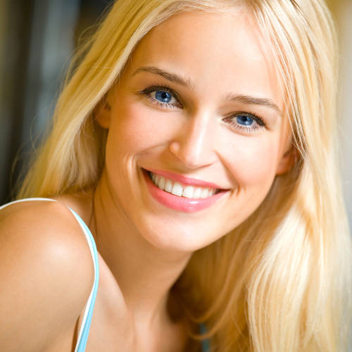 Erika Larsen, Marketing Expert at TeleprompterRental.com - beautiful blonde
