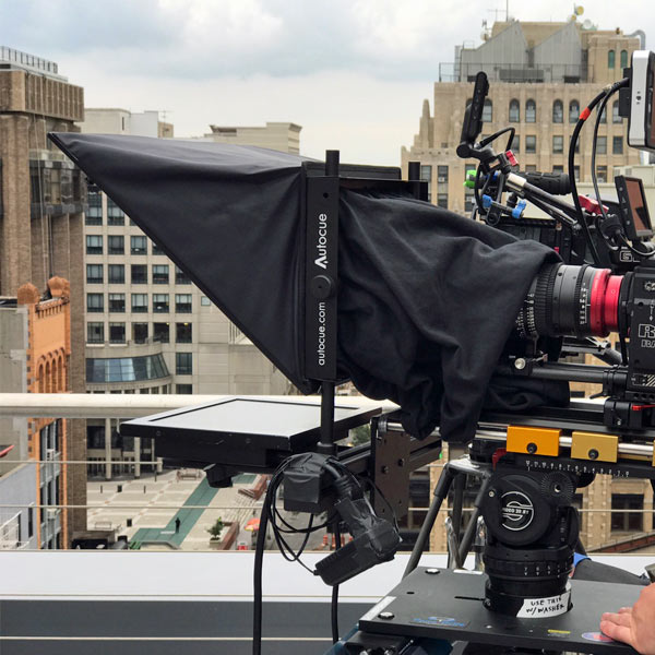 Teleprompter unit on roof